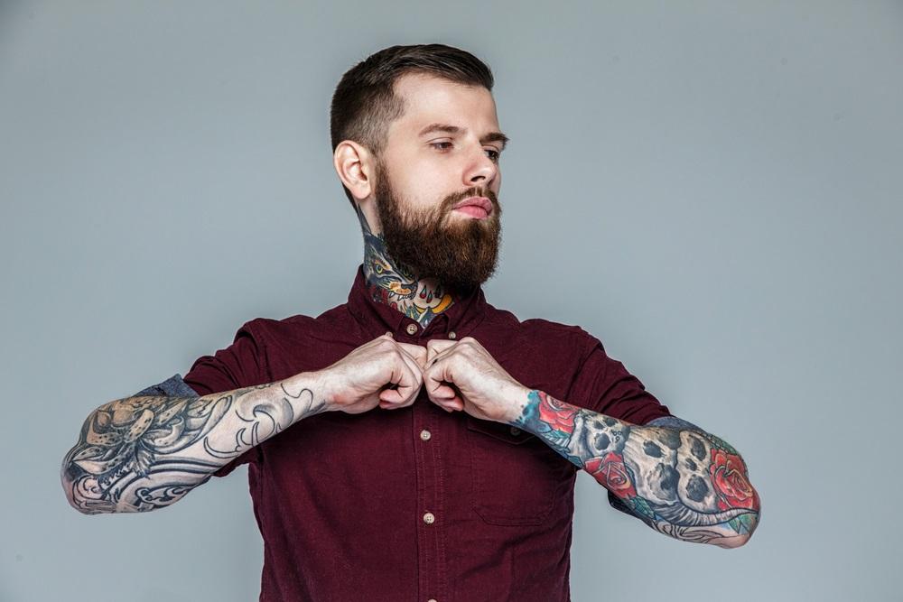 los mejores tatuajes de rosas para hombres