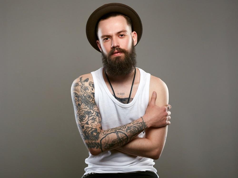 tatuajes con nombre en el hombro
